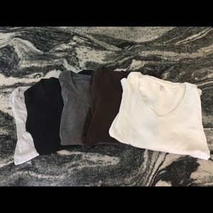 GAP Neutral v-neck t-shirts